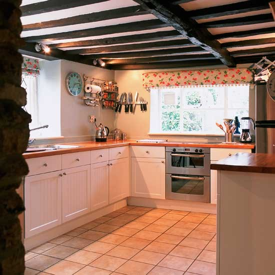 Natural Wood Shaker Kitchens Shaker Kitchens In: One For The Traditionalists