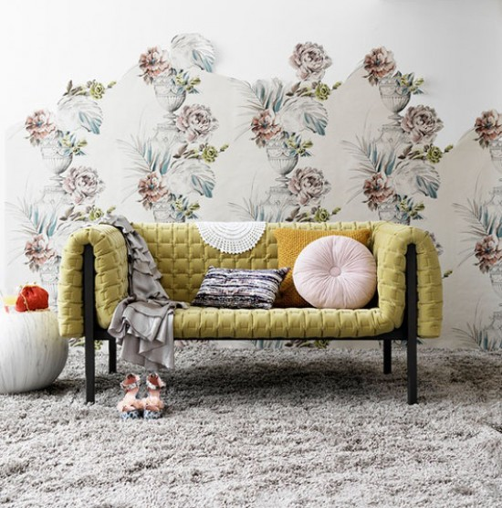 The wallpaper renaissance guide to getting it right for Wallpaper for feature wall living room