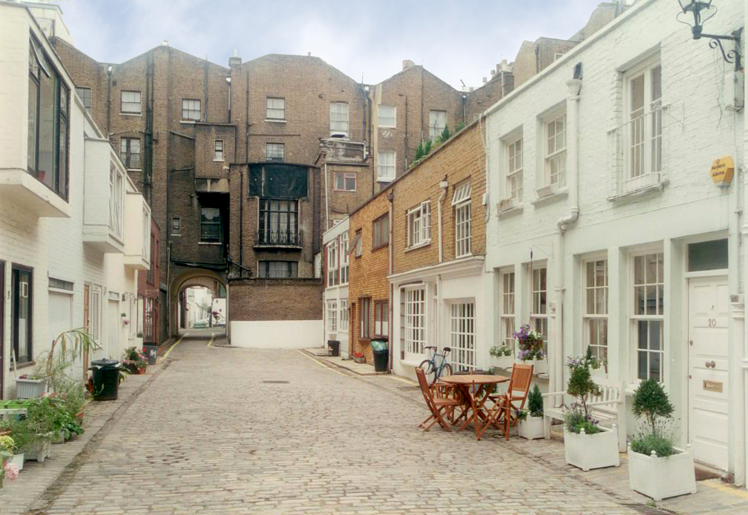 The guide to mews houses for London home design