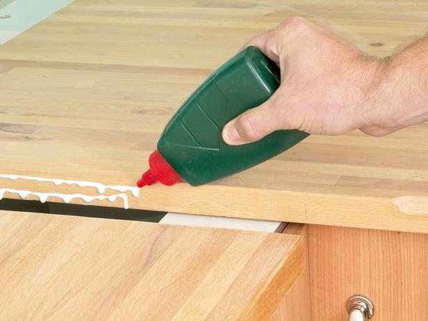 RX-DK-DIY248032_apply-wood-glue_s4x3_lg