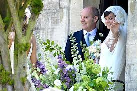 Photo of Lily Allen's husband gets Rated People membership as wedding gift