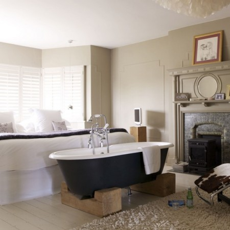 Freestanding baths in bedrooms - The alternative to ensuites