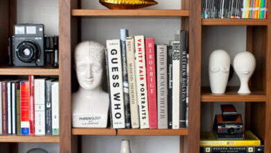 Photo of How to decorate a bookshelf