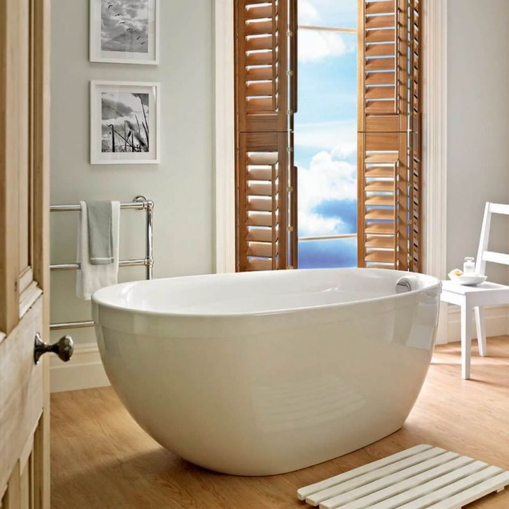 The freestanding bath: English bathroom hit