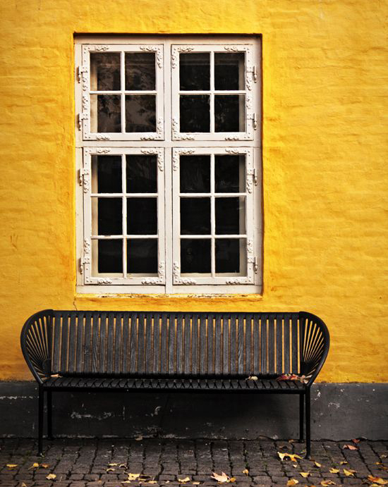 yellow house with kerb appeal