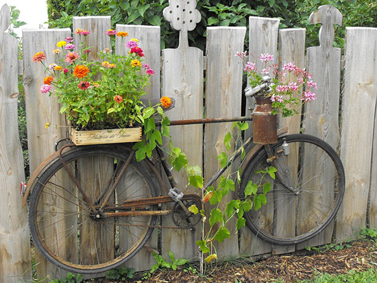 fence with bike