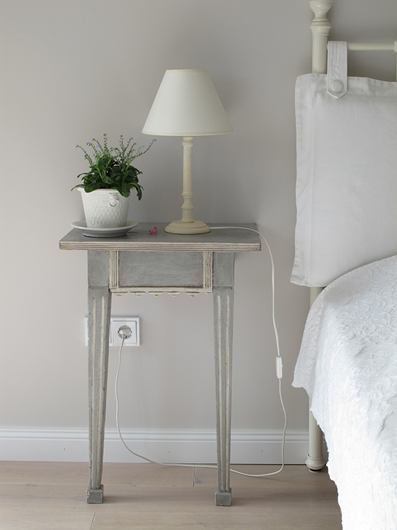 lamp-by-bedside-table