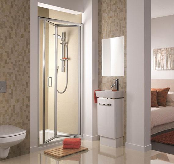 bi-fold-shower-en-suite