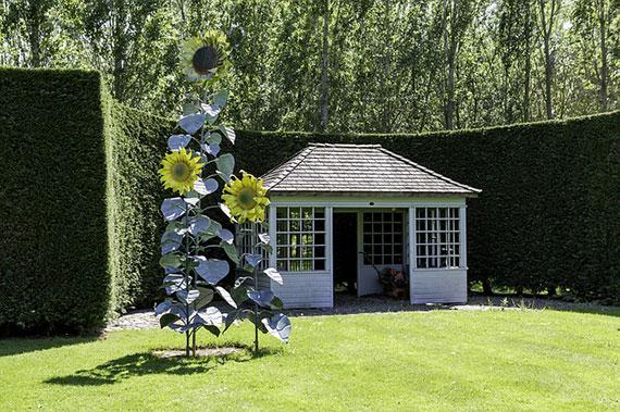 summerhouse-in-the-garden