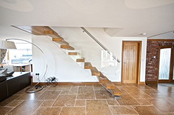 glass-sided-staircase