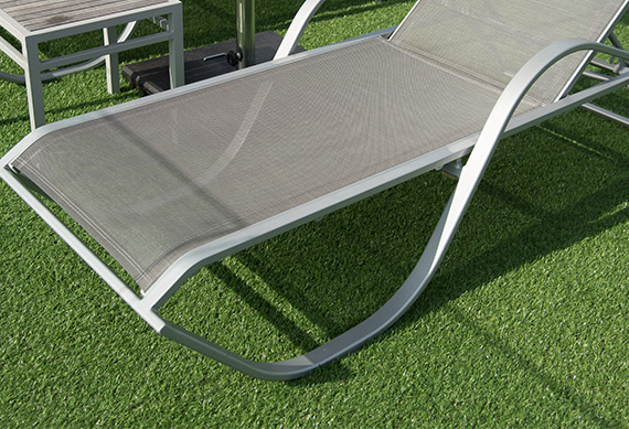 artificial-lawn-deckchair