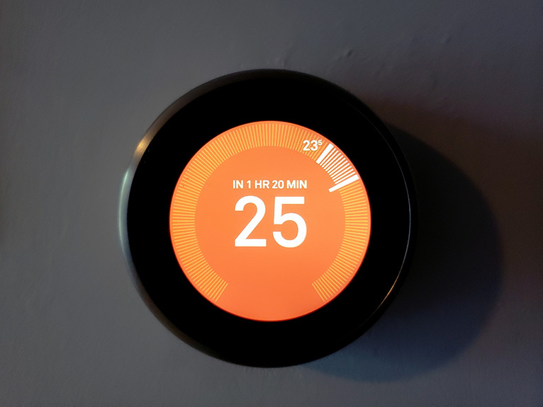 Orange smart heating thermostat