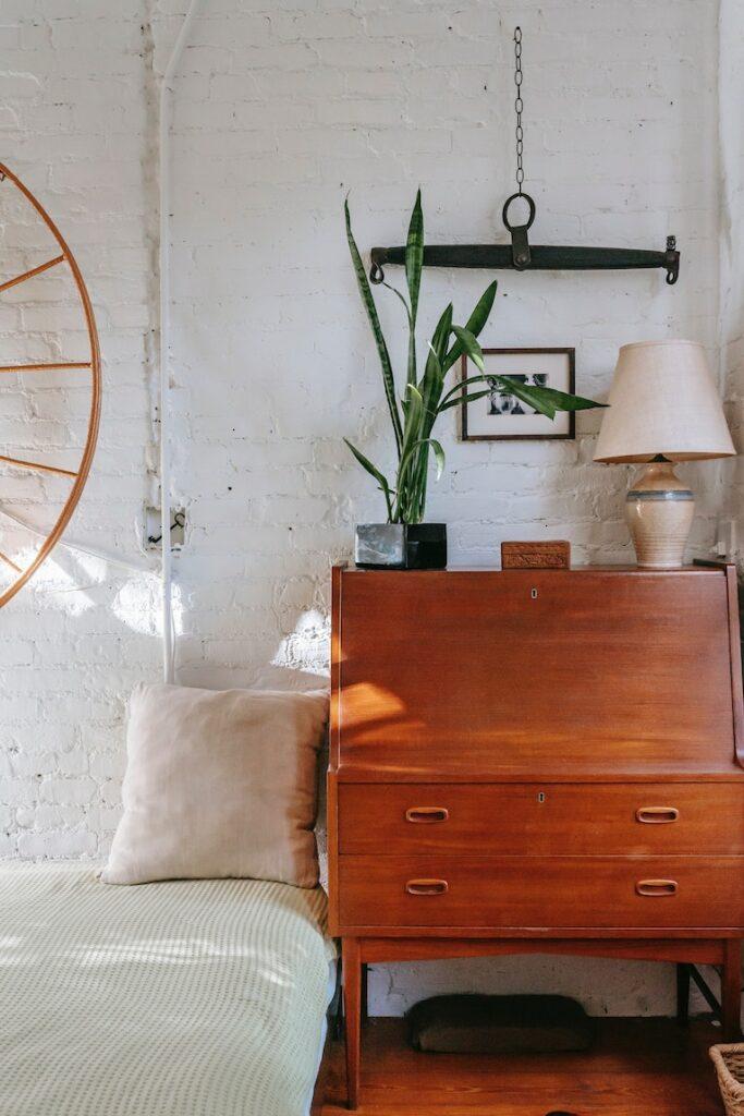 Budget bedroom furniture: Bedroom with vintage storage unit