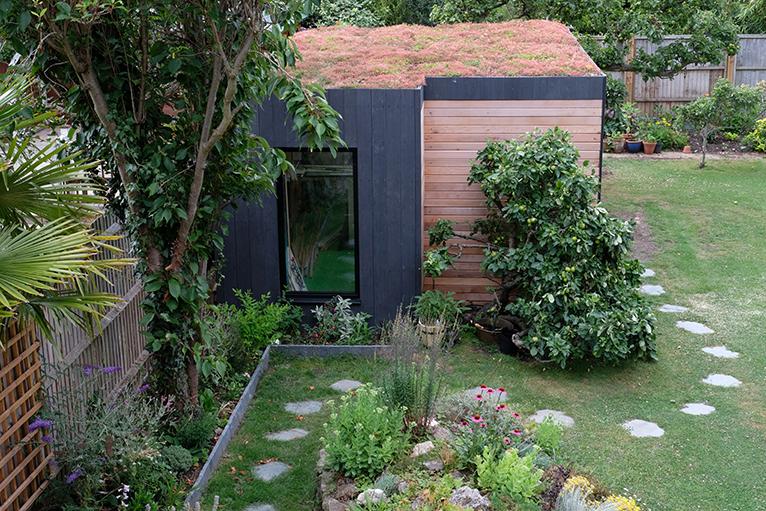 Garden room with living sedum roof