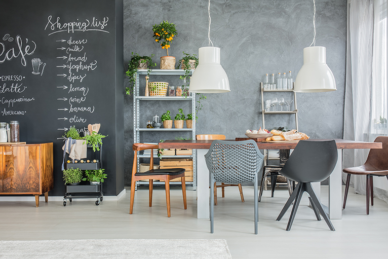 Kitchen makeover hacks: Kitchen-dining space with chalkboard wall